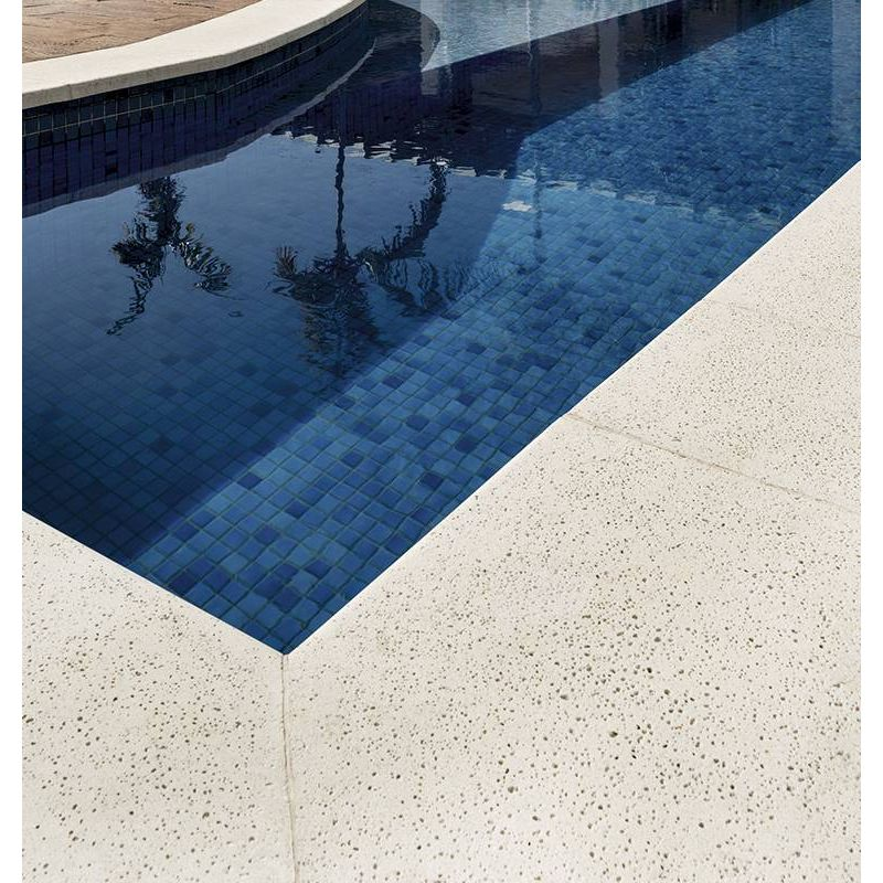 concreto-arquitectonico-pisos-neutro-areia-borde-interior-grezzo-10x40x50-beige-at04be203-1.jpg
