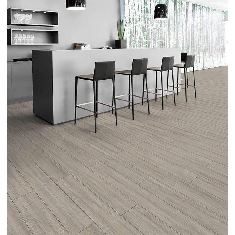 pisos-laminados-pisos-madera-kaindl-eiche-light-4mv-1383x193x7-gris-kd04gr134-1.jpg