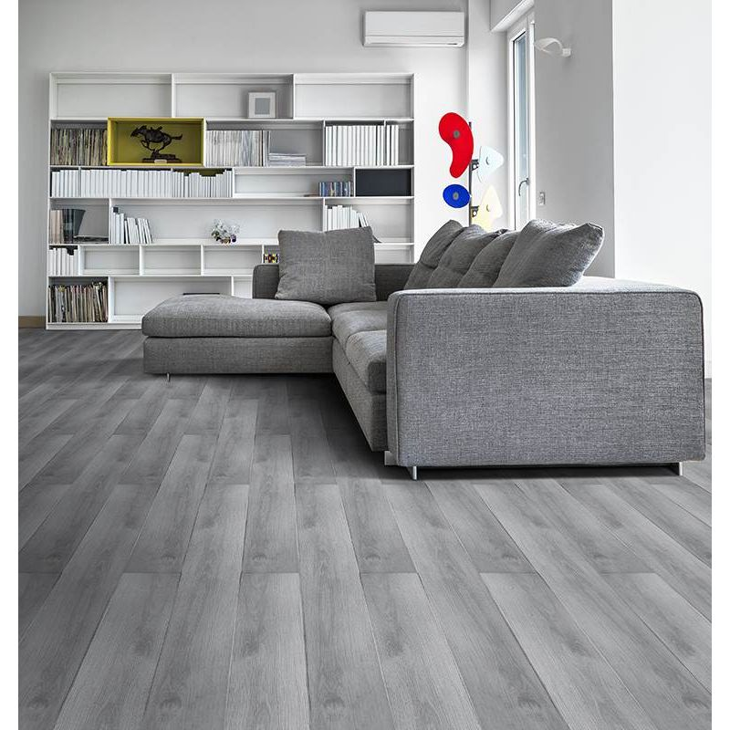 pisos-vinilicos-pisos-madera-klipen-spc-estonia-4mv-1219x183x4-2-gris-kf04gr082-1.jpg