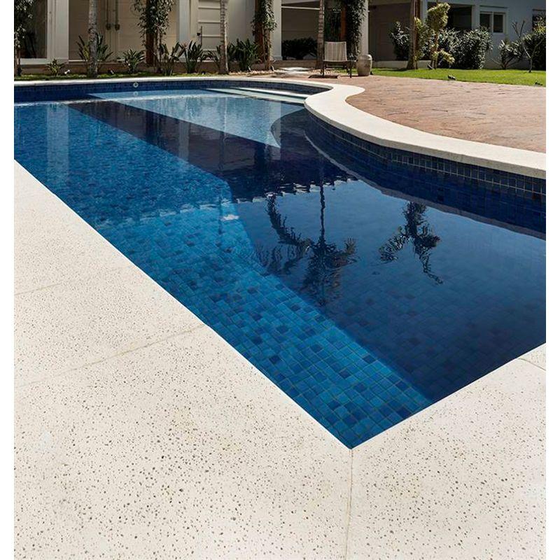 concreto-arquitectonico-pisos-piedra-areia-borde-diagonal-izq-med-40x40x80-crema-at04be061.jpg
